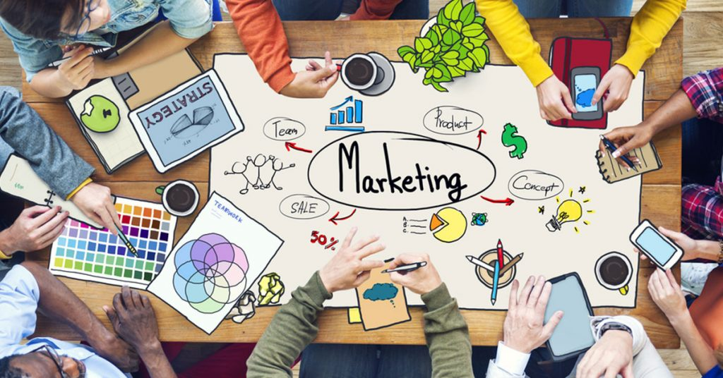 chi deve sviluppare il piano di marketing